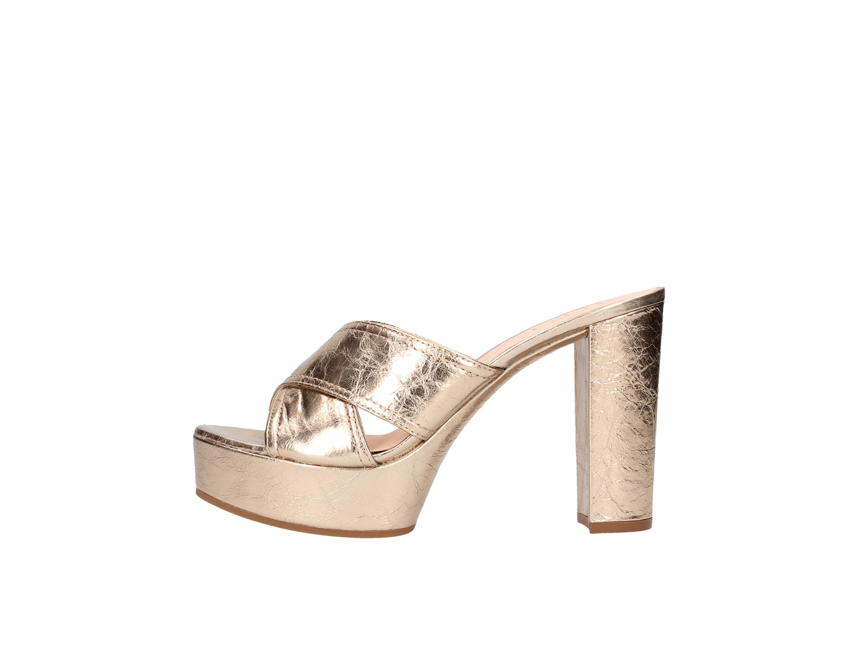 172faf6de Unisa Casual sandal Women Platinum