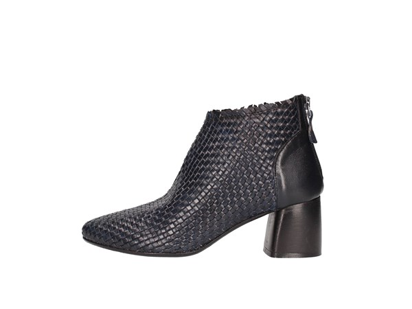 Zoe Ankle Boots Women