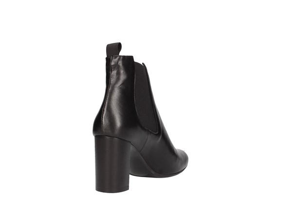 Paola Ghia 8483/70 Black Shoes Women Tronchetto